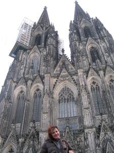 Foto: Claudia Hernández, Amada Dorta Cerpa en la Catedral del Colonia, Alemania, enero 2013
