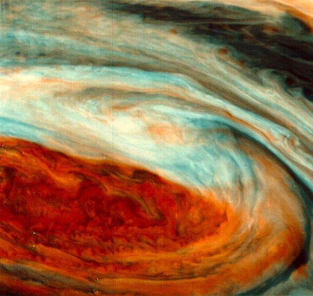 NASA, Imagen distorcionada del punto rojo de Júpiter. Wikimedia, 21 marzo 2006
