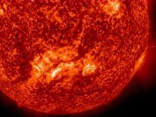 NASA Goddard Space Flight Center, EL Sol: Filamento de medio millón de millas, imagen capturada el 6-8 agosto, 2012. Wikimedia Commons, 17 agosto, 2012